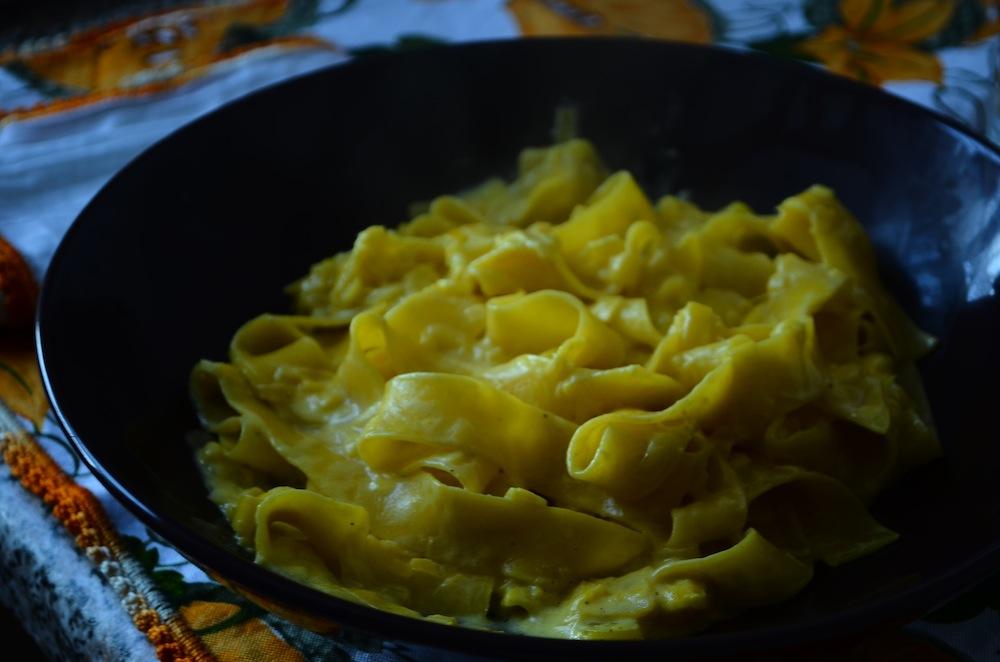 Pasta porri e zafferano ricette primi piatti vegetariani for Ricette esotiche