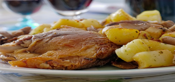 Cosciotto d 39 anatra al forno con patate ricette natalizie - Forno a vapore ricette ...