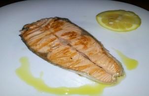 tranci di salmone in padella