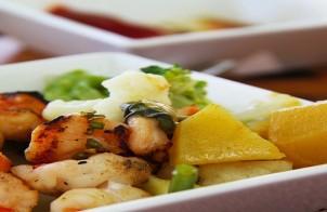 gamberi saltati con salsa all'aglio