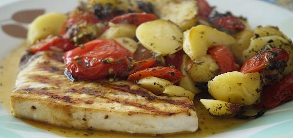 Pesce spada al forno con giardiniera di verdure ricette al forno - Ricette con forno a vapore ...