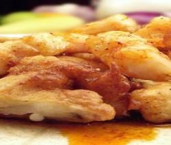 gamberi pastellati con salsa orientale