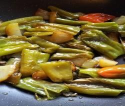 peperoni di fiume e patate in padella