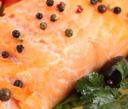 filetti di salmone al pepe verde