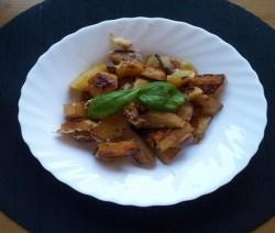 patate in padella con burro e pepe