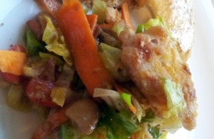 insalata di pollo con verdure e mele
