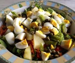 insalatona di uova, patate e fagiolini