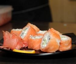 involtini di salmone con riso e formaggio