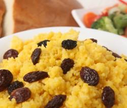 riso saltato con uvetta e frutta secca