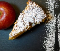 apple pie con crema e nocciole