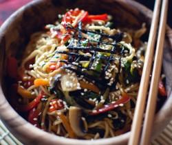 vermicelli cinesi con verdure