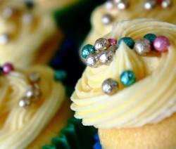 cupcakes alla vaniglia con frosting al burro