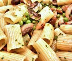 rigatoni con boscaiola vegetariana