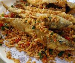 triglie fritte con coriandoli di verdure